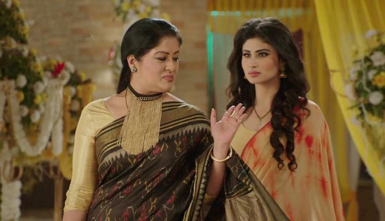 """Sudha Chandran trong phim """"Xà nữ báo thù"""". Ảnh: ĐLP."""
