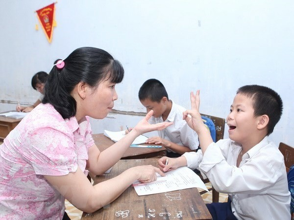 Hội Người khuyết tật thành phố Hà Nội phối hợp với Sở Giáo dục và Đào tạo Hà Nội đã tuyển chọn và giới thiệu 4 học sinh khuyết tật tham dự chương trình trên.