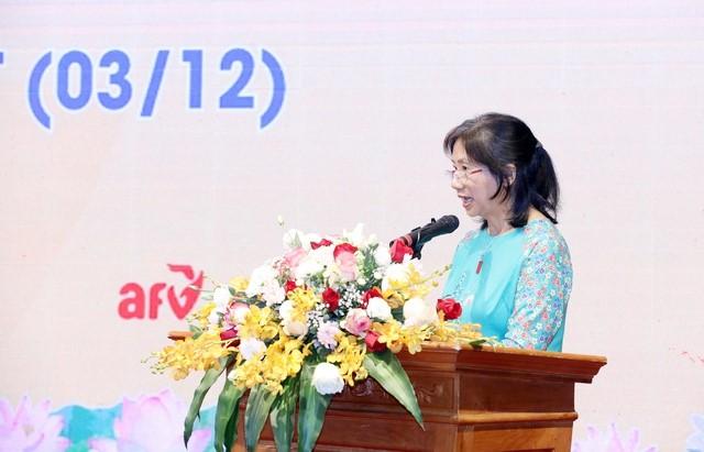 Bà Dương Thị Vân, Chủ tịch Hội người khuyết tật Thành phố Hà Nội phát biểu tại buổi lễ