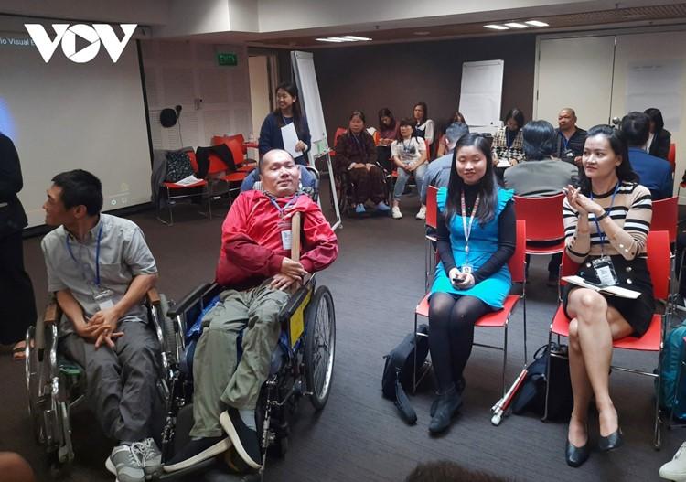 Nhiều người khuyết tật đã chuyển hướng sang kinh doanh online trong mùa dịch Covid-19.