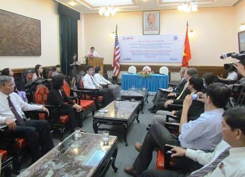 Những gương người khuyết tật tiêu biểu được khen thưởng tại buổi gặp mặt giao lưu người khuyết tật TP Đà Nẵng sáng ngày 18/4/2014