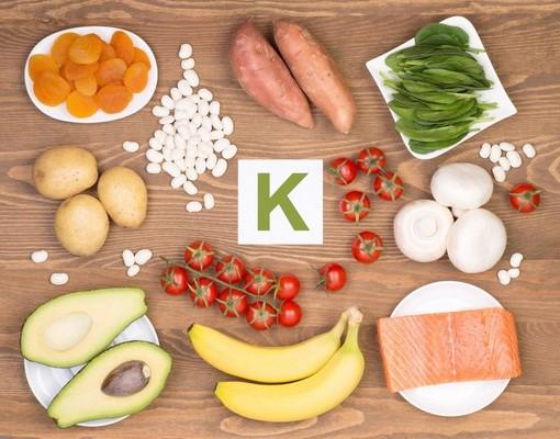 Cung cấp nguồn kali tự nhiên qua thực phẩm.