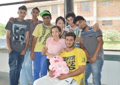 Vương Thị Quyên cùng các du học sinh quốc tế tại Trường đại học Niilm.